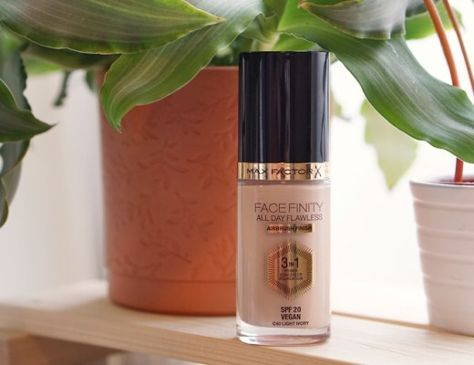Max Factor Facefinity Airbrush foundation review