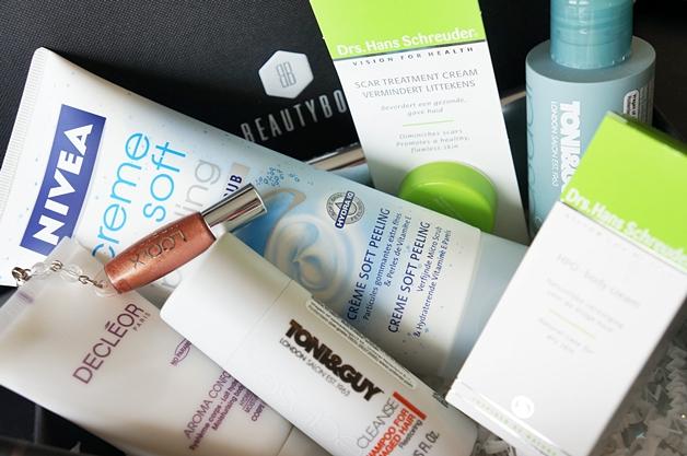 beautybox2012augustus1 - De Beautybox van juli/augustus 2012