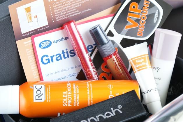 beautybox2012juni2 - Beautybox   Juni 2012 (unboxing & mini-reviews)