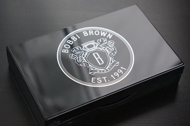 bobbibrowncaviaroysterpalette1 - Bobbi Brown | Caviar & Oyster Palette