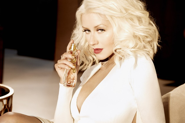 christina-aguilera-woman-parfum-review-1