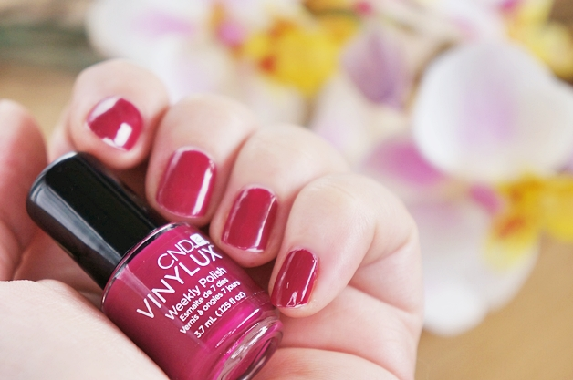 cnd vinylux weekly polish top coat tinted love 3 - CND Vinylux weekly polish | Tinted Love
