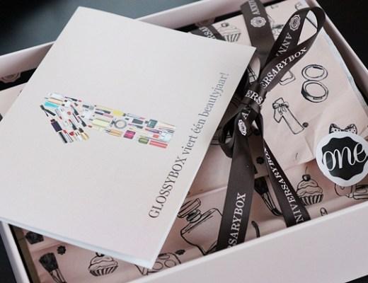 glossyboxnovember2012 1 - De GLOSSYBOX van november 2012