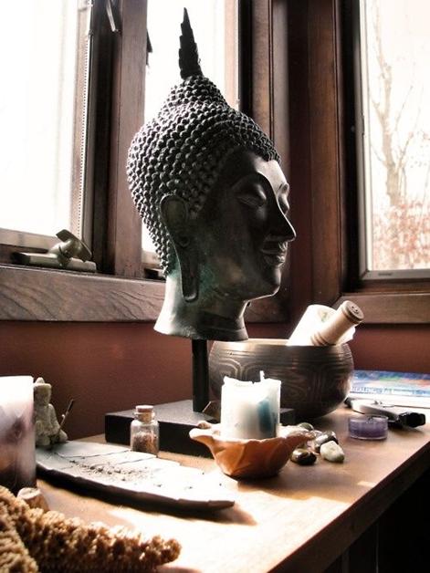 huggy-buddha-4