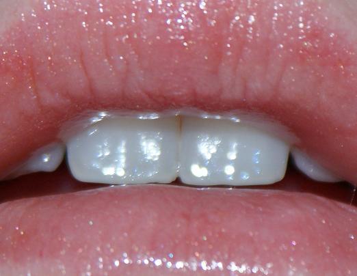 madaralipgloss5 - Review: Mádara tinting lipgloss - Sunkissed