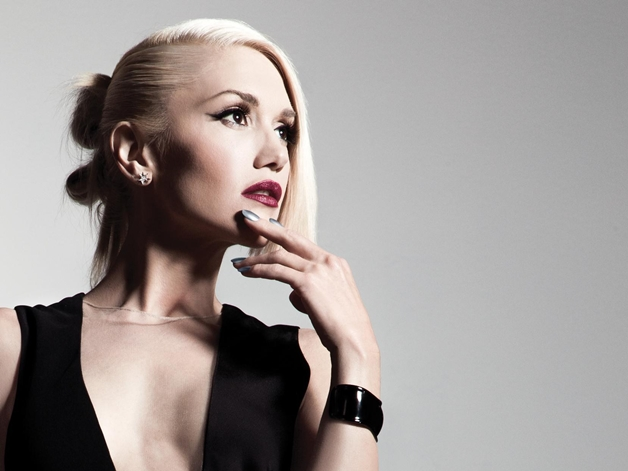 opi gwen stefani holiday 2014 1 - OPI x Gwen Stefani holiday '14 | Rollin' in Cashmere