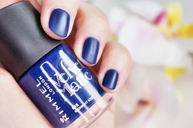 rimmel-velvet-matte-nagellak-4