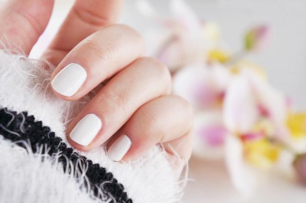 sally hansen get mod 2 - Inspiratie | Witte nail art (en de perfecte witte nagellak)