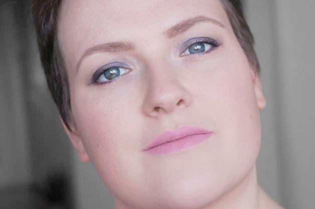 sleek-bad-girl-palette-matte-me-petal-brink-pink-review-swatches-10