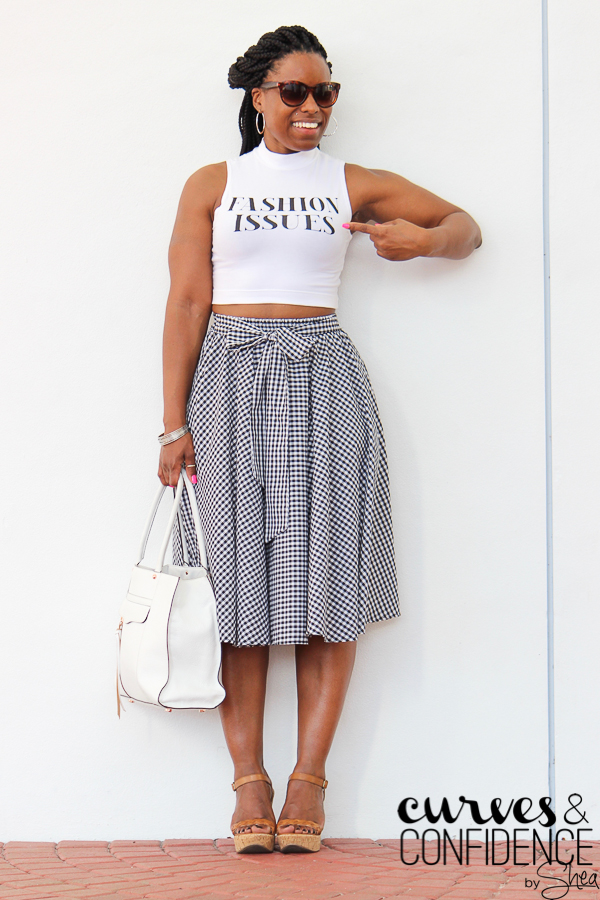 gingham skirt, how to wear a gingham skirt, how curvy girls dress, curvy outfit inspiration, curvy and fit, how to dress when your curvy, curvy girl with muscles_