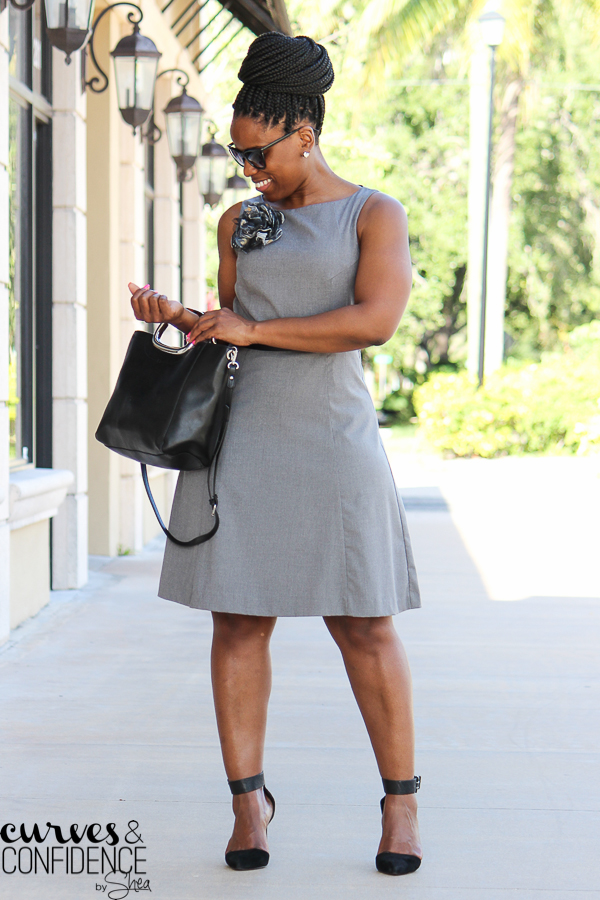 summer work outfit, how to wear a sleeveless dress to work, business casual, curvy outfit inspiration, mid size blogger, miami style blogger_