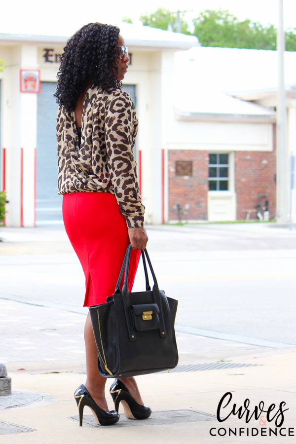 curves-and-confidence-spring-summer-outakes-leopard-blouse