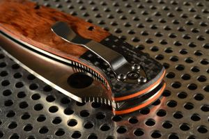 """Spyderco Resilience custom scales """"triology"""""""