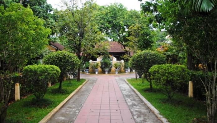 lac tinh vien, green houses, vietnam, hue