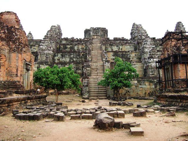Phnom Bakheng in Siem Reap