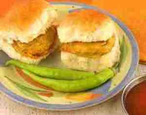 vada pav , delicious local food, india, mumbai