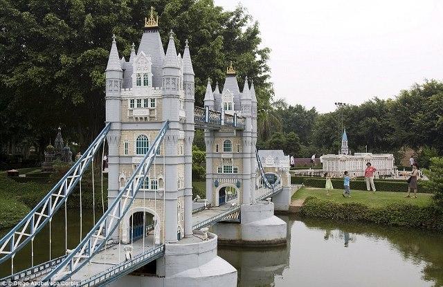 taoyuan, window on china theme park, tw