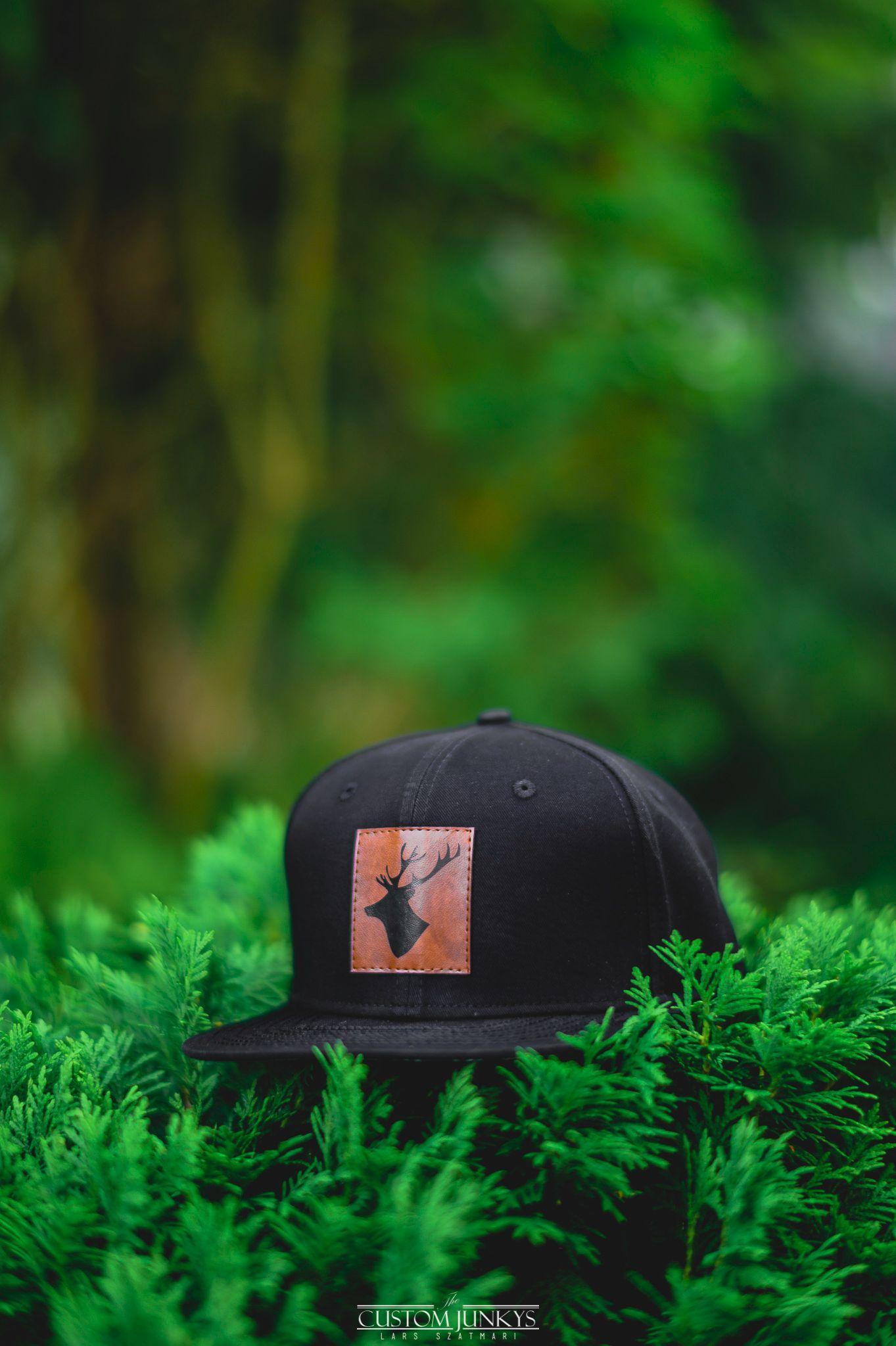Tief im Wald Snapback