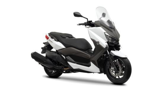 Yamaha XMAX400 05