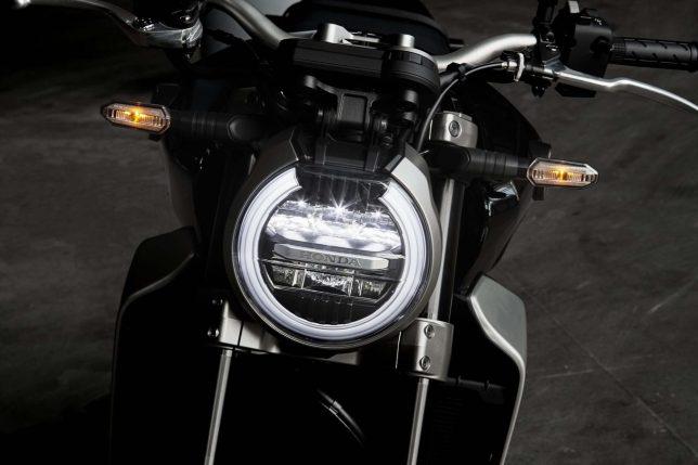 Honda CB1000R Photo 19