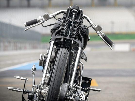 Für die Straßenzulassung bekommt das Bike selbstverständlich noch einen Scheinwerfer