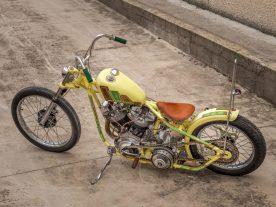 Nein, der Peanut-Tank stammt nicht von einer Sportster, sondern von Harleys Model 165, auch »Hummer« genannt. Jordi hat ihn leicht modifiziert, damit er aufs Bike passt
