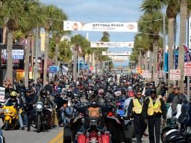 Endlich bleibt die Main Street während der Bike Week für Autos gesperrt und nicht nur wie bisher am ersten Wochenende