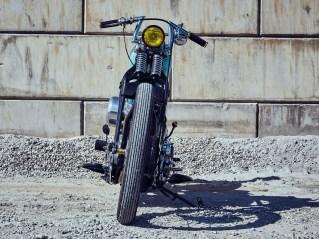 Die Hydra-Glide-Telegabel wurde durch die originale Springergabel ersetzt, die wohl genau so zum Erbe von Harley-Davidson gehört wie ein V2-Motor
