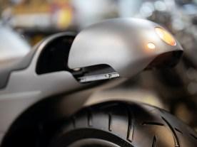 Blinker und Rück- und Bremslicht sind ins Gehäuse des Heckteils integriert