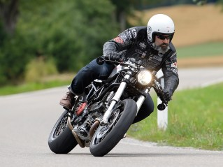Klassik-Fahrtest – Ducati Monster um's Eck gejagt