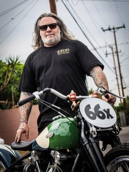 David »Chopperdave« Freston, aufgewachsen in Kanada, ist eine Ikone der kalifornischen und weltweiten Bikebuilder-Szene. Einen Namen machte er sich als Chefmechaniker bei West Coast Choppers, bevor er sich mit »Chopperdaves Casting Co.« im Nebenerwerb selbständig machte