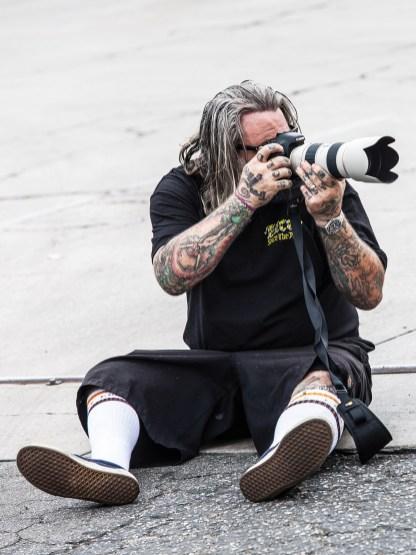 Seine zweite Leidenschaft nach dem Bau von Teilen und Bikes ist das Fotografieren. Vornehmlich lichtet er dabei nackte Mädels auf Bikes ab. Bei unserem Shooting ließ er sich nicht nehmen, ebenfalls die Kamera auszupacken