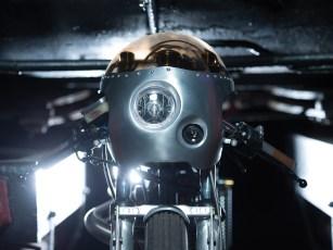 Die Halbschale an der Front wird passend zur Optik des Bikes angefertigt