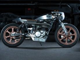 Ein ganz wunderbares Motorrad, das seinem Fahrer aber auch ein ganz wunderbar heißes Knie bescheren dürfte