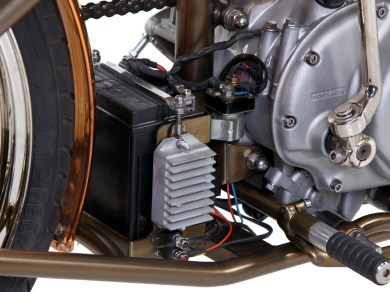 Die Batterie versteckt sich zwischen Getriebe und Hinterrad