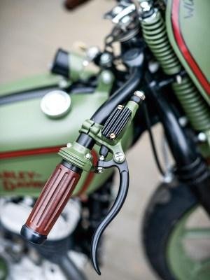 Passend zum Look des Bikes setzten Christoph und Udo auf Armaturen von KustomTech