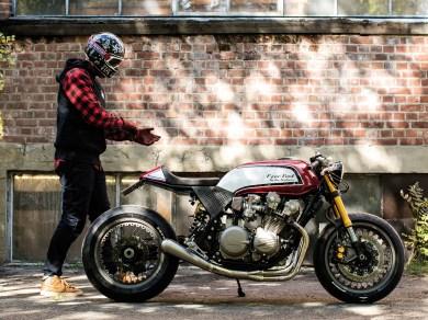 Feine Aluminium-Parts und Speichenräder von Kineo werten das ehemalige Supernakedbike deutlich auf