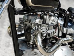 Zwar mangelt es so einer Triumph an Hubraum, die Leistung ist aber ähnlich zu vergleichbaren Harleys à la Ironhead