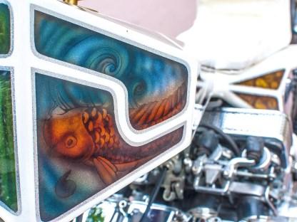 Japan-Design meets Japan-Engine: Die Tanklackierung ist so ungewöhnlich wie das ganze Bike – und sein Besitzer