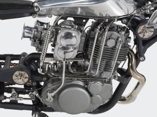 Nur der Motor weist noch auf die kleine SR 400 hin – und selbst der blieb nicht original