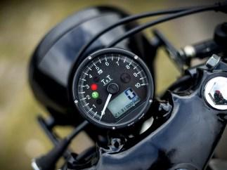 Ein altes Motorrad in Kombination mit modernen Elektronikkomponenten: René wollte nicht auf die Vorzüge des 21. Jahrhunderts verzichten. Auch deshalb wurde der Kabelbaum von Bruder Marco neu konstruiert