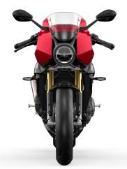 Bei der Gestaltung der Verkleidung haben die Triumph-Designer offensichtlich schon etwas auf MV Agustas Superveloce geschielt