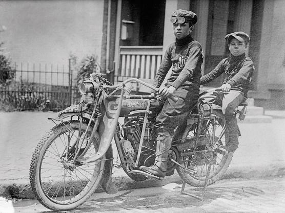 Irre Rekordfahrt: Im zarten Alter von 14 und 10 Jahren liefern zwei Brüder eine Solofahrt durch die USA ab – irre!