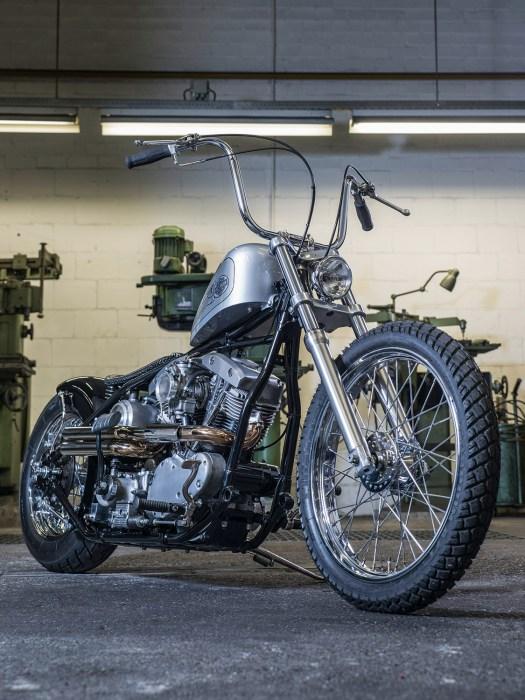 Ein schlanker, sauberer Chopper war nach vielen groben Umbauten ein Herzenswunsch, der Harley Shovelhead bietet dafür immer noch eine perfekte Basis. Verbaut wurde er hier im Guss-Starrrahmen von VG Motorcycles