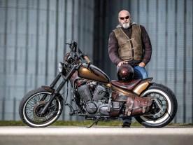 »Ich wollte das Bike etwas aufpeppen und das Chrom entfernen. Dazu dezente Airbrushs, die nur bei Sonnenlicht deutlich zu sehen sein sollten«