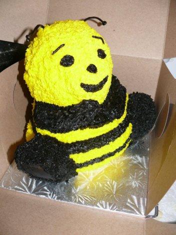 bumblebeecakeside-0