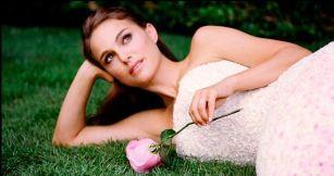 Natalie Portman - Miss Dior Back 6