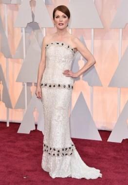 Julianne Moore estaba exquisita en el vestido strapless con incrustaciones. Una muñequita!!!
