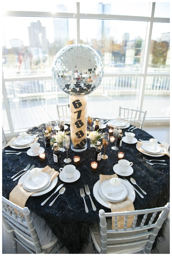 Unique New Year's Eve Party Decoration Ideas – Custom Love ...