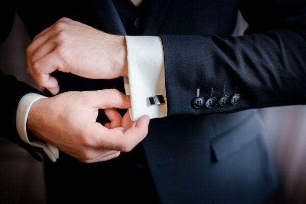 beautiful-stylish-groom-s-cufflinks-shirt